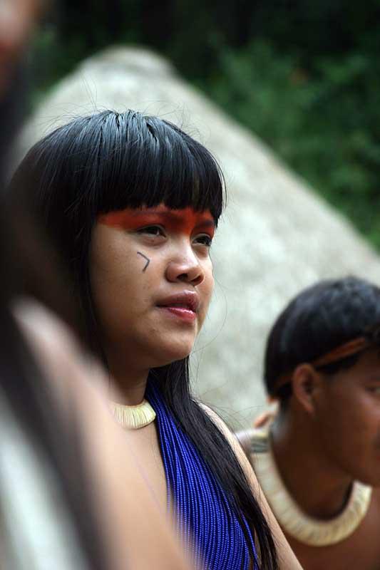 Pouco espaço sobra nessas tribos para sermos quem somo se é que sabemos quem somos